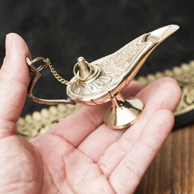 アラジンの魔法のランプ 【10cm×7cm】の写真5 - 手に取るとこれくらいの大きさです。