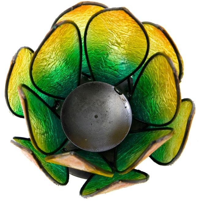 ロータスのキャンドルスタンド - 緑の写真3 - 真上から撮ってみました。