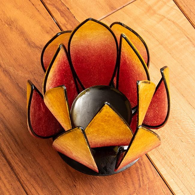 ロータスのキャンドルスタンド - 赤の写真2 - 蓮の葉をモチーフにしたキャンドルシェードです。