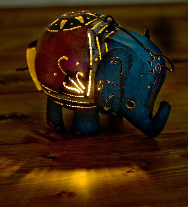 ノスタルジックキャンドルスタンド 象さん 8 - 灯りを灯してみました。ぬくもりのあるキャンドルスタンドです。