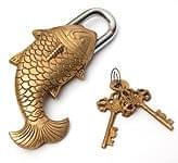 マツヤ 魚型からくり南京錠 - 金色
