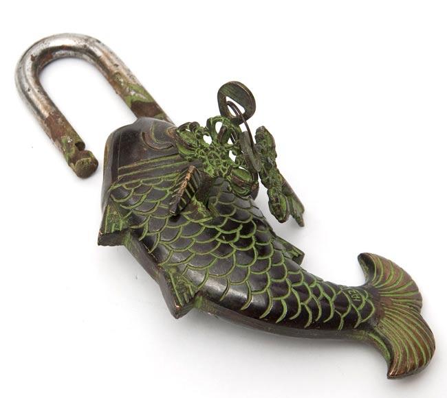 [インド品質]マツヤ 魚型からくり南京錠 - 黒色 2 - 鍵を開けたところです