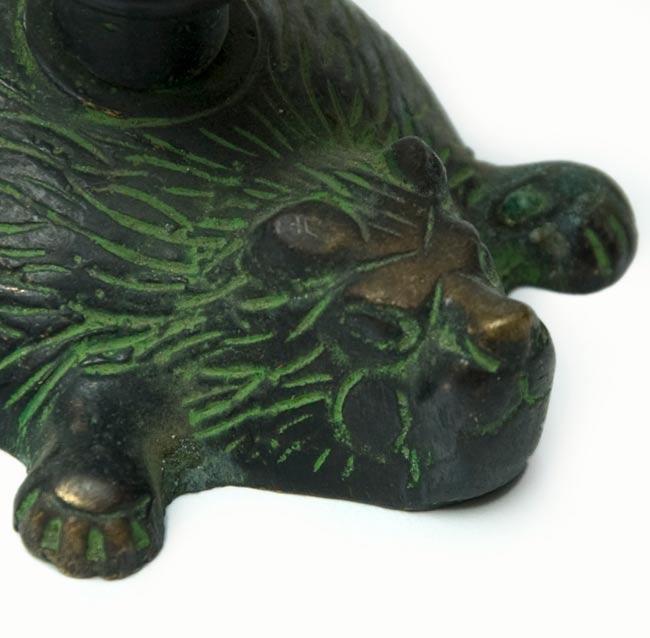 ロータスのお香&キャンドルスタンド - ライオン[緑]の写真2 - ライオンの顔のアップです