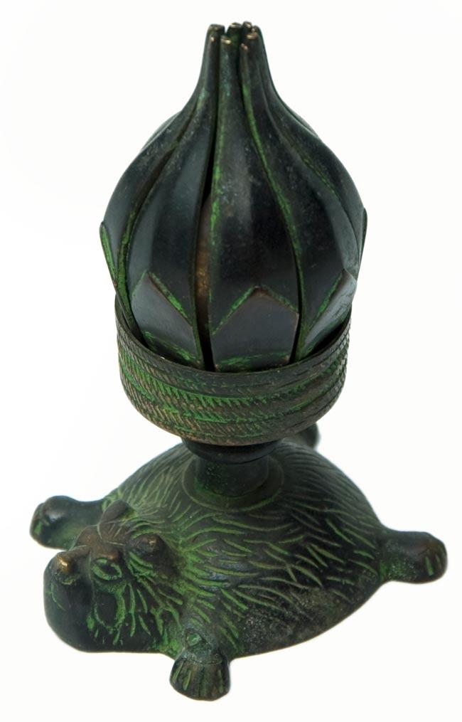 ロータスのお香&キャンドルスタンド - ライオン[緑]の写真
