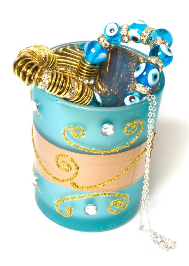 キラキラキャンドルグラス【高さ:6.5cm*横:5.5cm】-ブルーの写真7 - こんな風にもお使いいただけます。アクセサリーを入れたり、小物いれとして便利ですね!(こちらは同じデザインの商品となります)