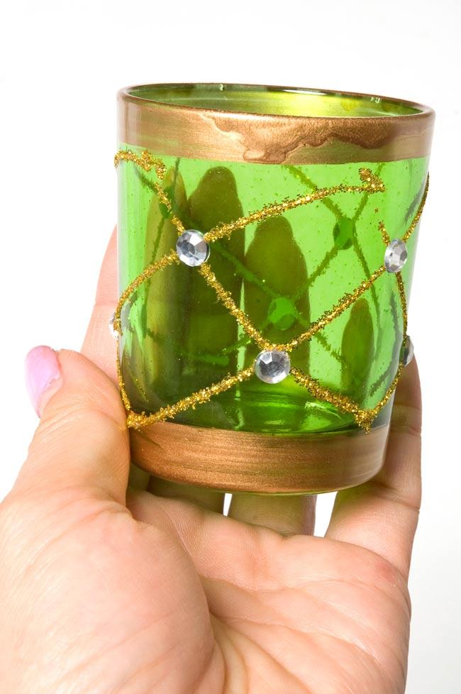 キラキラキャンドルグラス【高さ:6.5cm*横:5.5cm】-グリーンの写真5 - 手にとって見るとこのくらいの大きさです。