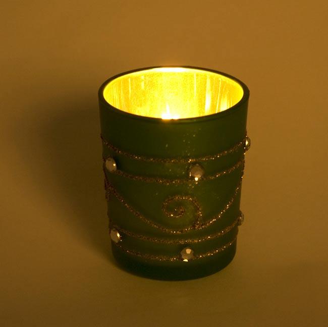 キラキラキャンドルグラス【高さ:6.5cm*横:5.5cm】-ゴールドの写真6 - 同じデザインの商品に火を灯してみました。雰囲気が素敵ですね!