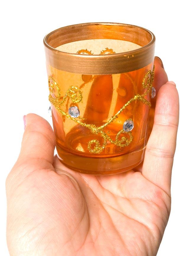 キラキラキャンドルグラス【高さ:6.5cm*横:5.5cm】-オレンジの写真5 - 手にとって見るとこのくらいの大きさです。
