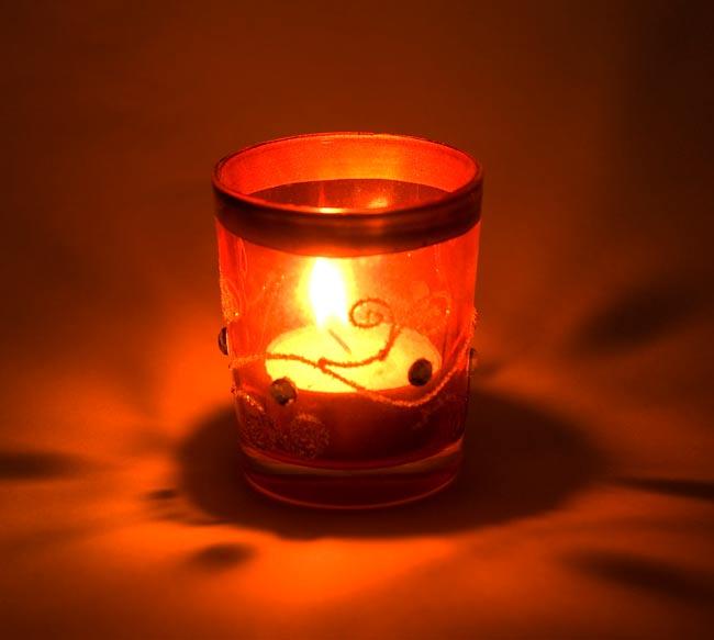 キラキラキャンドルグラス【高さ:6.5cm*横:5.5cm】-オレンジの写真6 - 同じデザインの商品に火を灯してみました。雰囲気が素敵ですね!