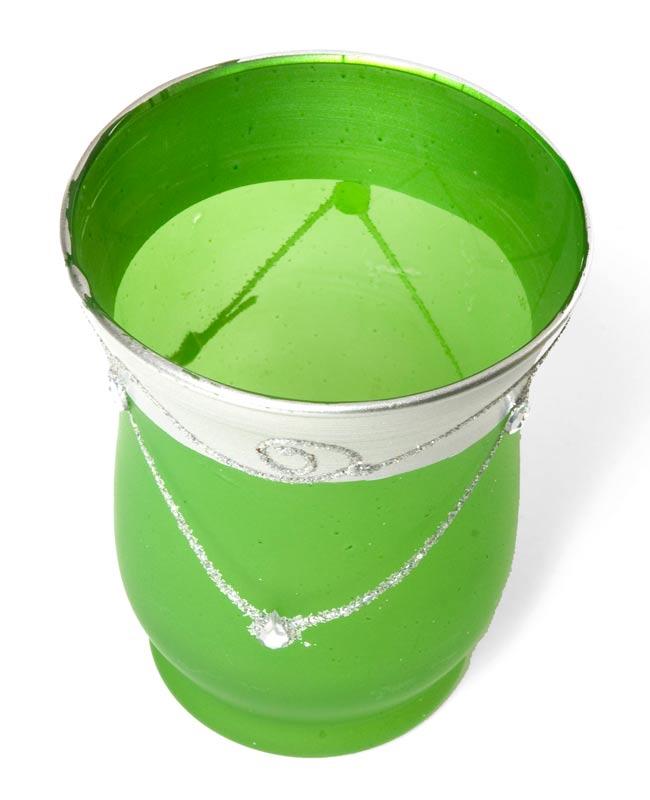 キラキラキャンドルグラス【高さ:9.5cm*横:7.5cm】-グリーンの写真2 - 斜めから撮ってみました。