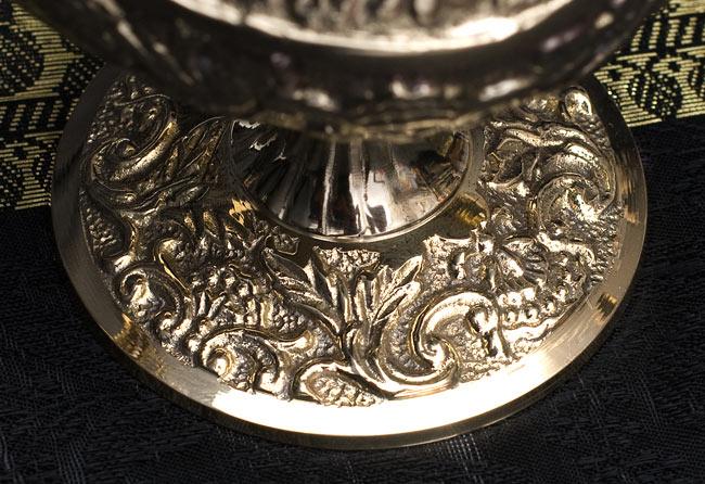 アラジンの魔法のランプ 【19cm×12cm】の写真7 - 台座部分の細工を接写しました