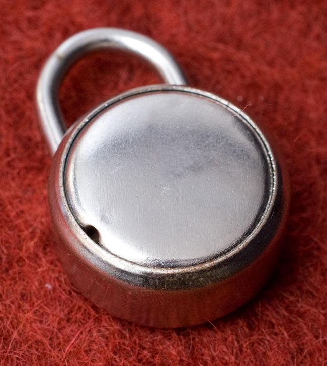 インドの南京錠-Ambi CAPE 【Sサイズ】の写真2 - 裏面はこんな感じ