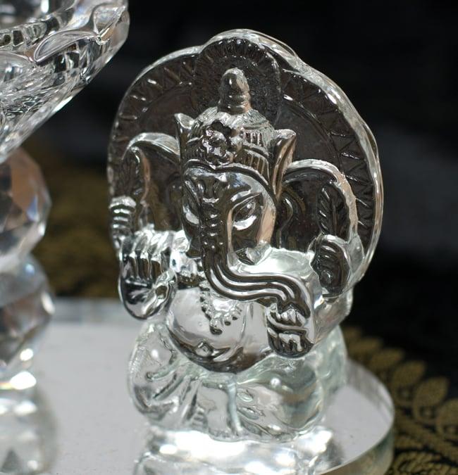 ガネーシャのグラスキャンドルスタンドの写真5 - ガネーシャ部分の拡大写真です。
