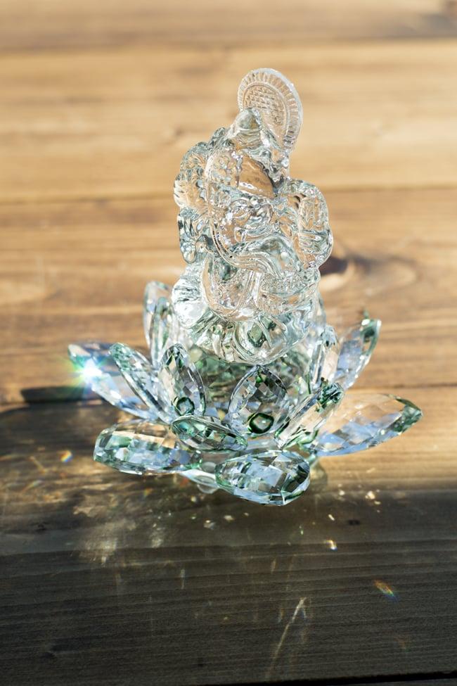 [訳アリ]蓮に坐るクリスタルガネーシャ[14cm]の写真14 - グリーンはこのような色合いです。