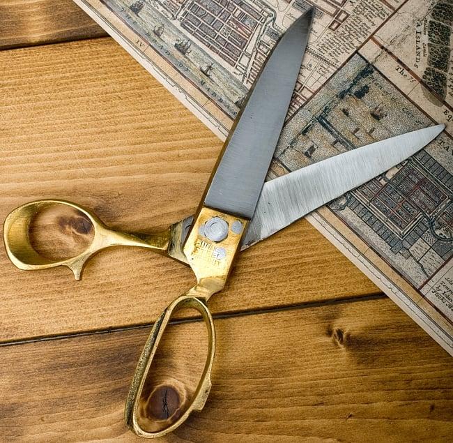 インドのレトロゴールド裁ちばさみ(MARUTI製) 2 - 刃先をひらいてみました