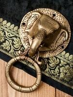 象のドアノッカー