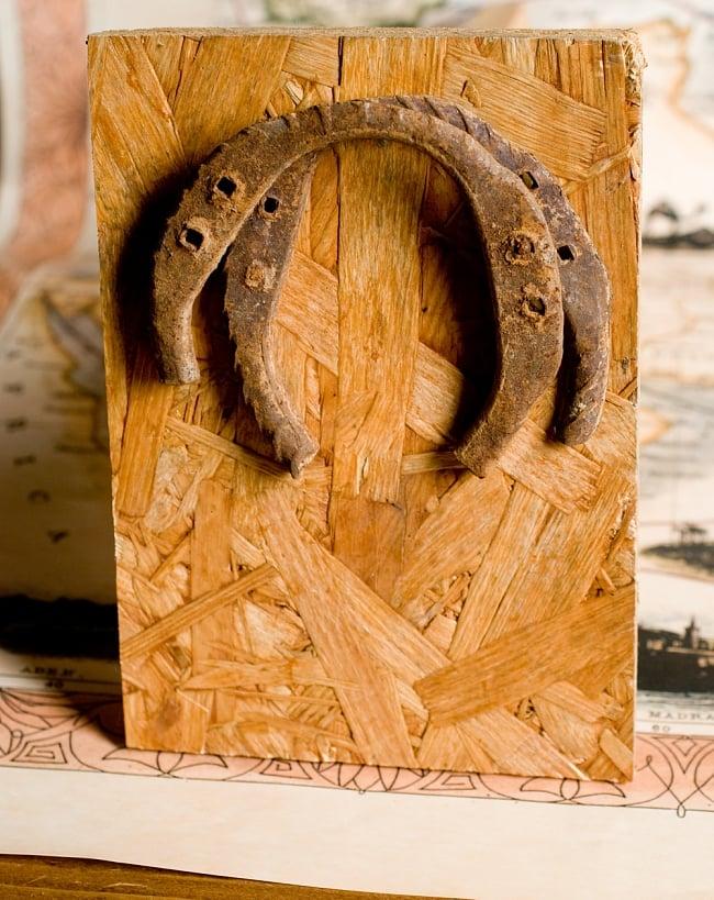 幸運のアイテム インドの錆びた蹄鉄(ホースシュー)の写真2 - お部屋の雰囲気もガラッと変わります。