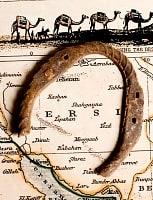 幸運のアイテム インドの錆びた蹄鉄(ホースシュー)の商品写真