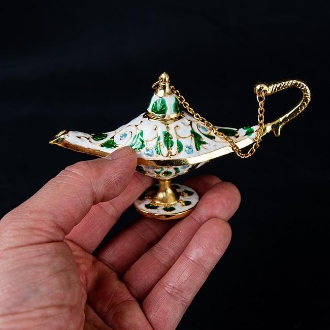 アラジンの魔法のランプ 【12cm×6.5cm】 7 - 手に取るとこれくらいの大きさです。