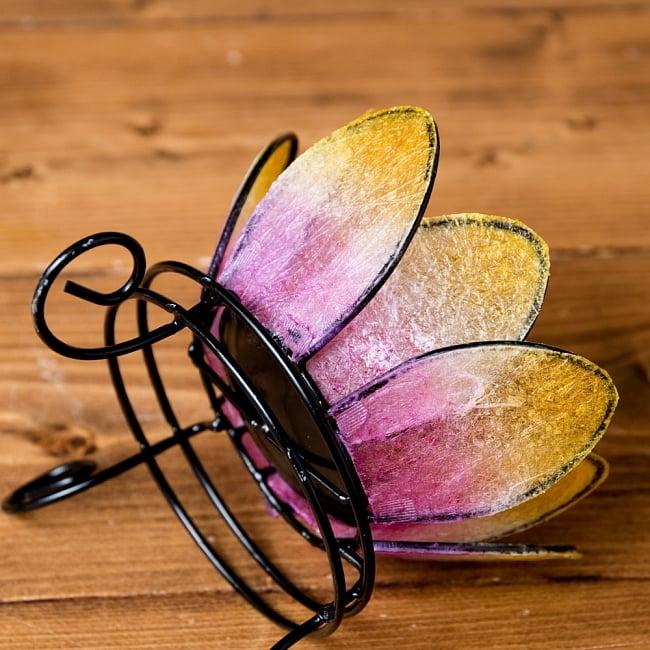 ロータスのキャンドルスタンド - ピンク 4 - アップにしてみました。花びらのクリアな部分が繊維状になっていて、これがキャンドルを灯したときに独特の美しい雰囲気になります。