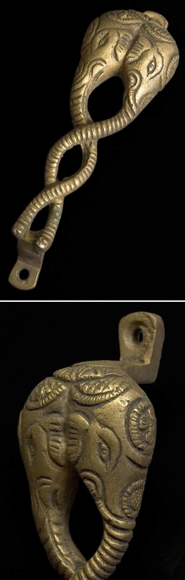 象の頭のドアノブの写真1