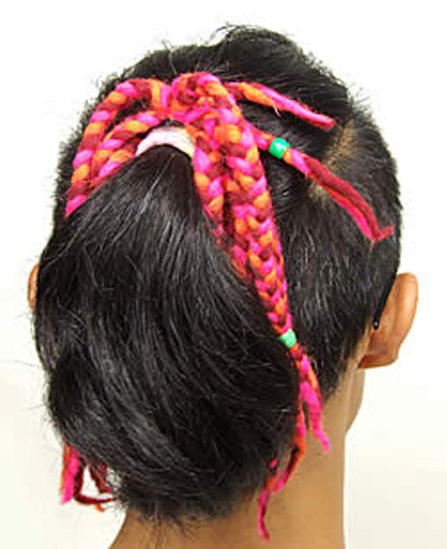 しましまロングフェルトヘアーバンド【ピンク&ブルー】の写真5 - 類似商品の着用例です