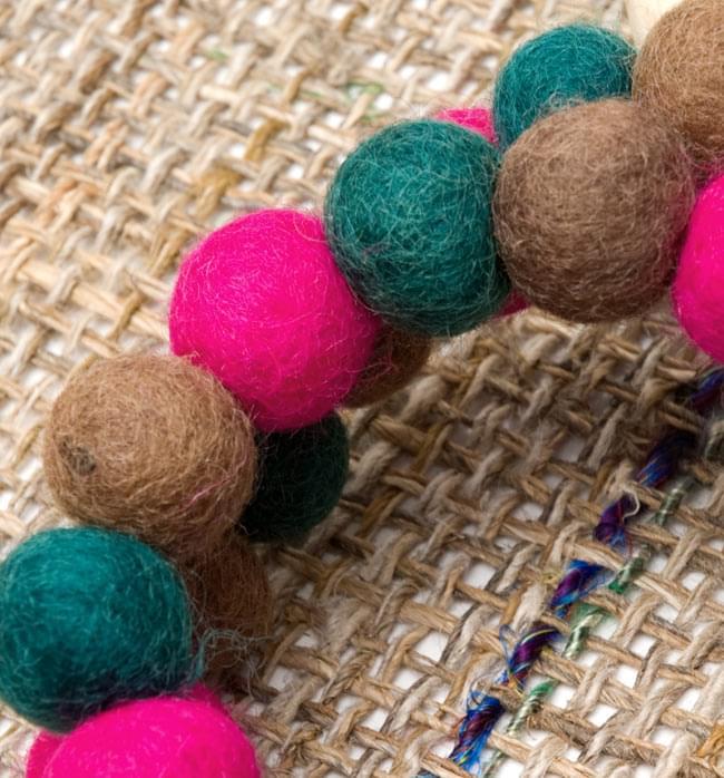 〔60cm〕★犬の首輪・猫首輪★手作りフェルト!ワンにゃんネックレス  - ピンク×緑×茶色系 2 - 拡大してみたとろこです。ふんわりとしながら、押すと弾力があり意外と丈夫です!色合いと風合いもとってもかわいいです。