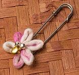 フェルトのお花ブローチ 【白とピンク】