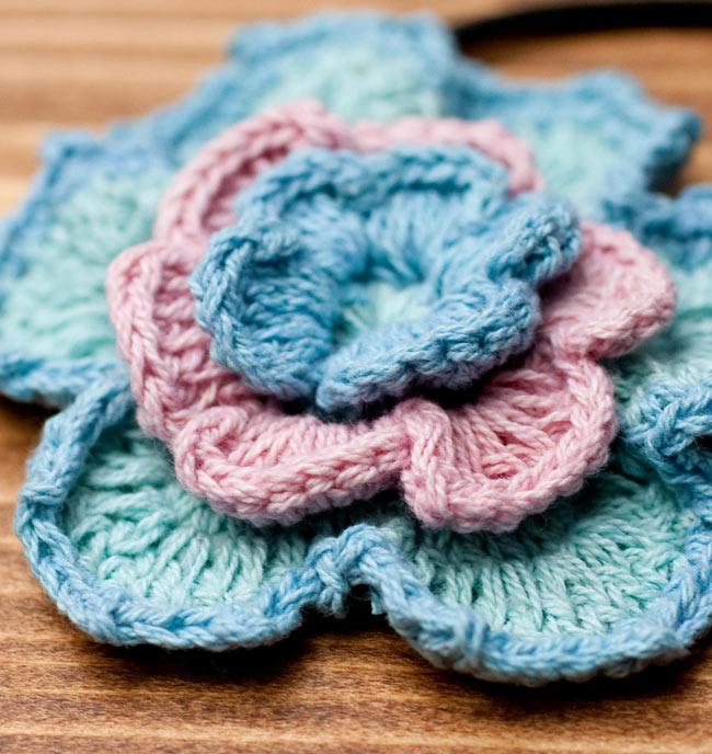 手作りコットンのお花ヘアゴム - 水色×ピンク 2 - 拡大写真です