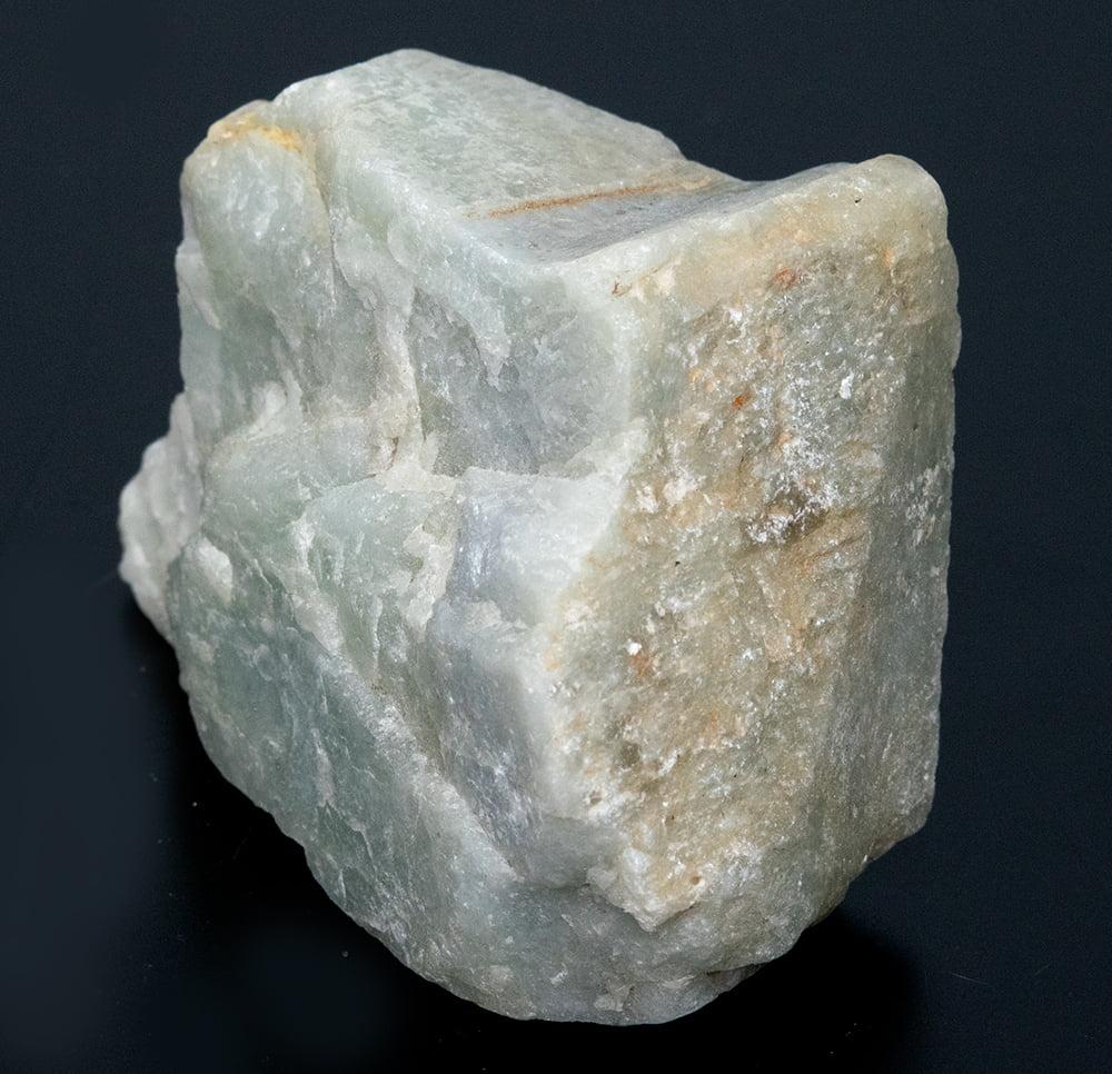 ネフライトの原石[228g] 2 - 別の角度から撮影しました