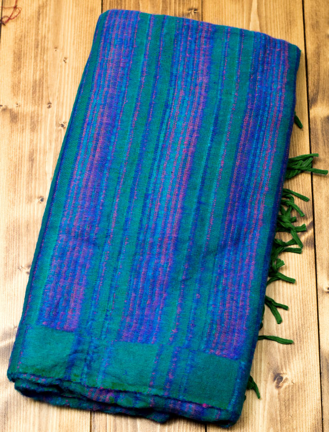 〔210cm×100cm〕インドのふわふわボーダー柄大判ショール - 緑系の写真