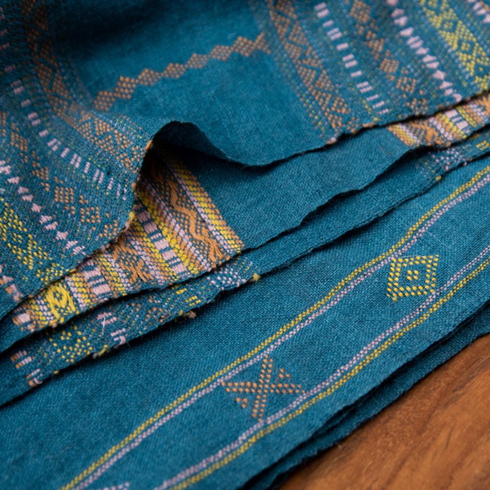 【1点もの】ブジョーディ村の手織りショール 4 - 端部分はこの様になっています。
