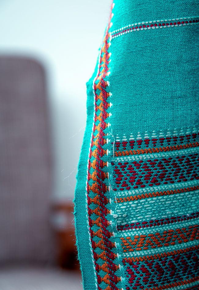 【196cm×90cm】アンジャール村からやってきた インド伝統柄ショール ストール 4 - 細かな織りが美しいです。