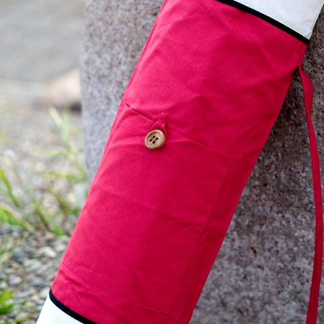 シンプルコットン ヨガマットバッグ【赤】 3 - 小物入れが付いているので、お出かけに便利ですよ。