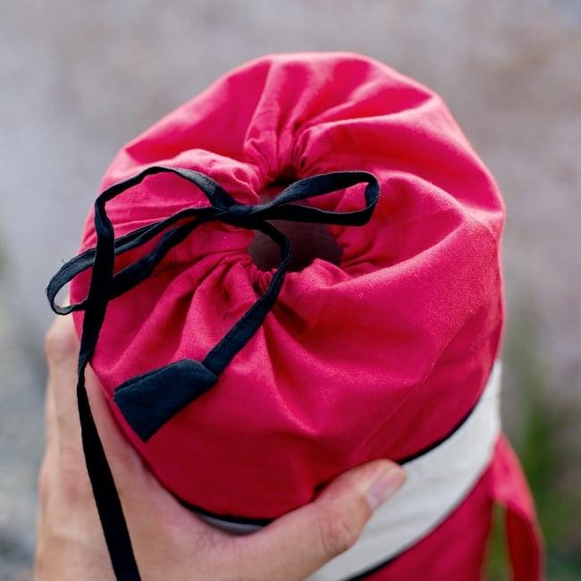 シンプルコットン ヨガマットバッグ【赤】 7 - 紐で留めるタイプとなります