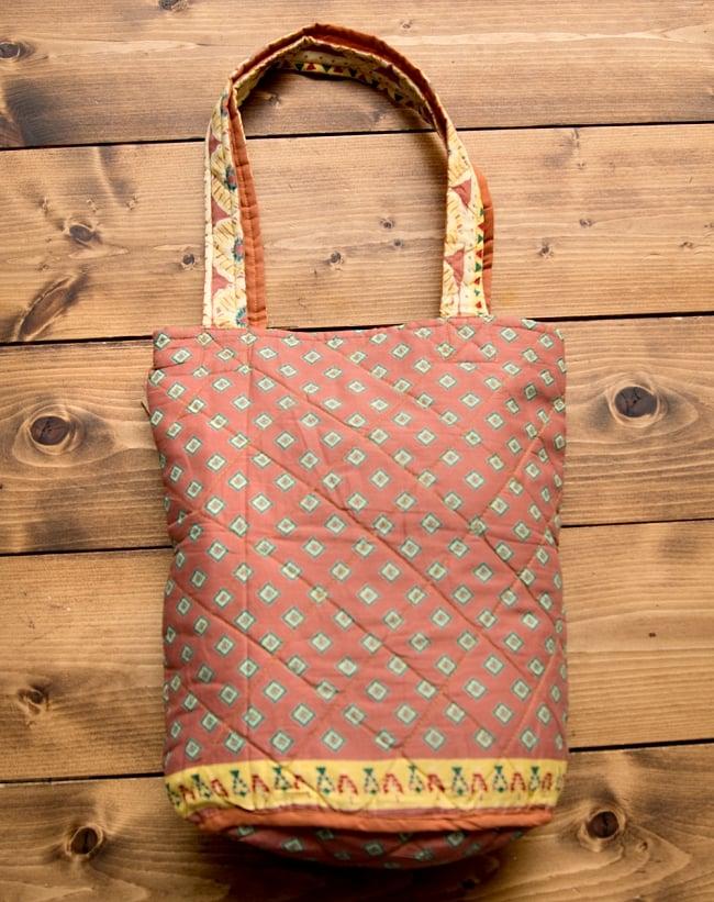 インド綿のトートバッグ 【ピンク・小柄】の写真5 - 裏側はこの様になっています