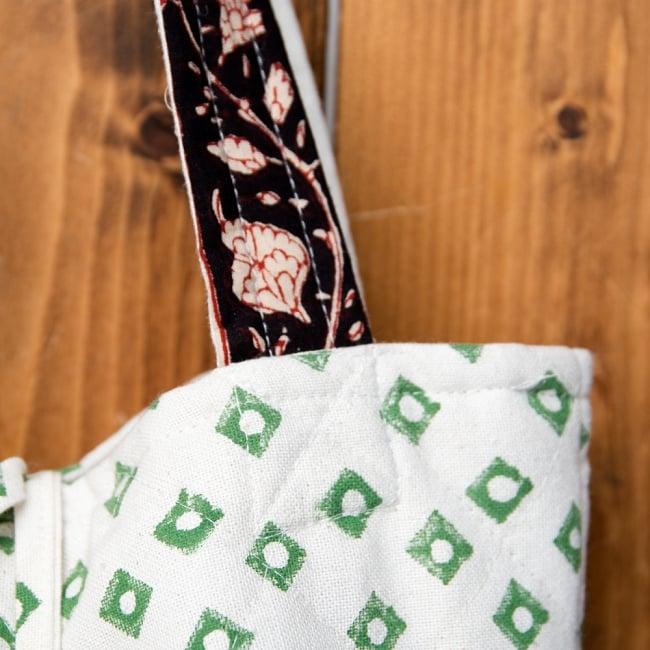インド綿のトートバッグ 【白】 5 - 持ち手部分もキルティング素材で可愛いです