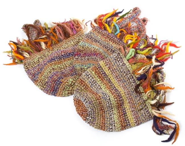 ウールとヘンプのハンドバッグの写真3 - 写真のようにそれぞれお色が異なります。