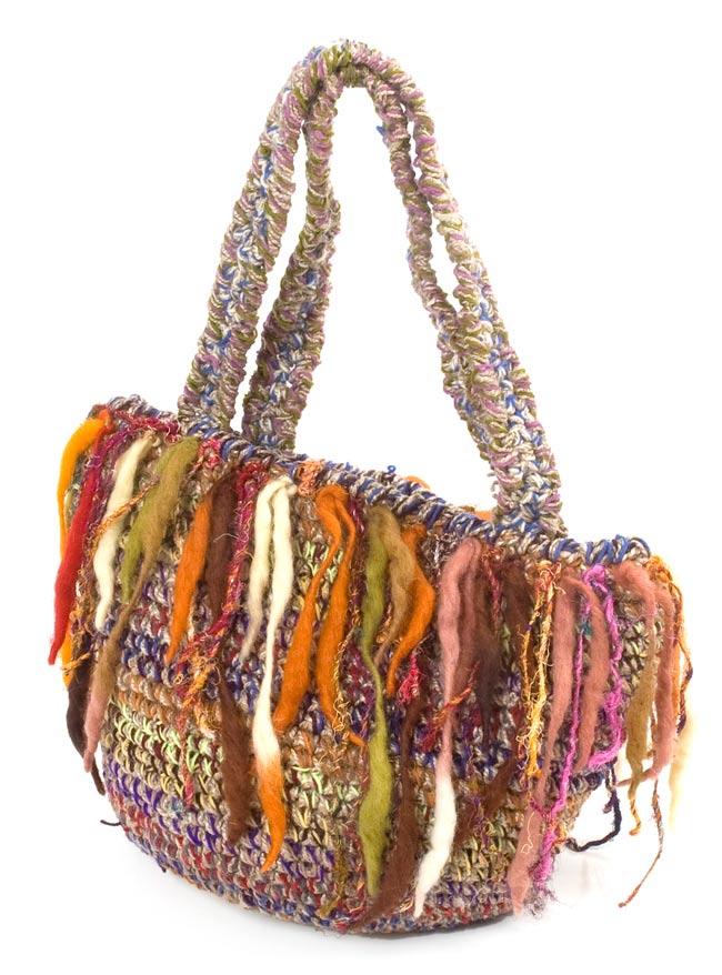 ウールとヘンプのハンドバッグの写真