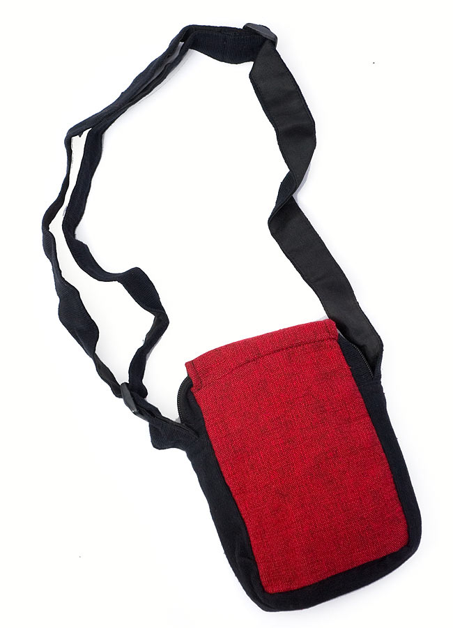 4ポケットトライバル刺繍ポシェット - 黒×赤の写真4 - 裏面はこのようになっております。