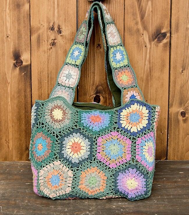 お花刺繍のショルダーバッグ【山型】グリーン 2 - お花柄がとても可愛いです!