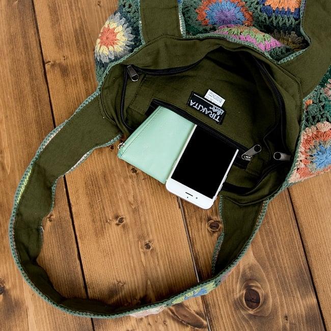 お花刺繍のショルダーバッグ【山型】グリーン 9 - 携帯やキーケースがすっぽり入る大きめの内ポケット付き!