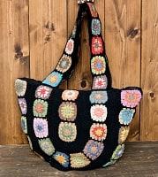 お花刺繍のショルダーバッグ【丸型】ブラック
