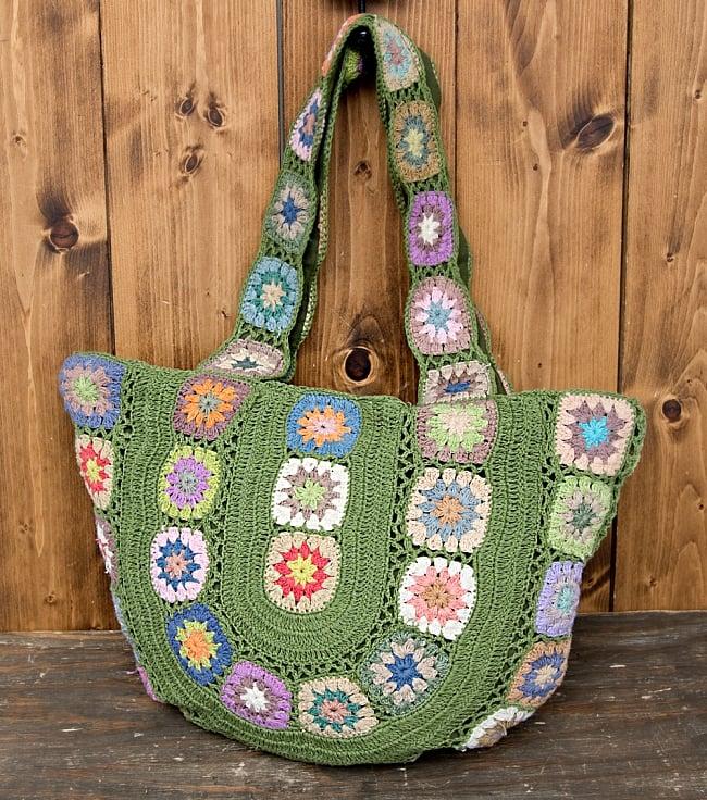 お花刺繍のショルダーバッグ グリーン(ジッパータイプ)の写真