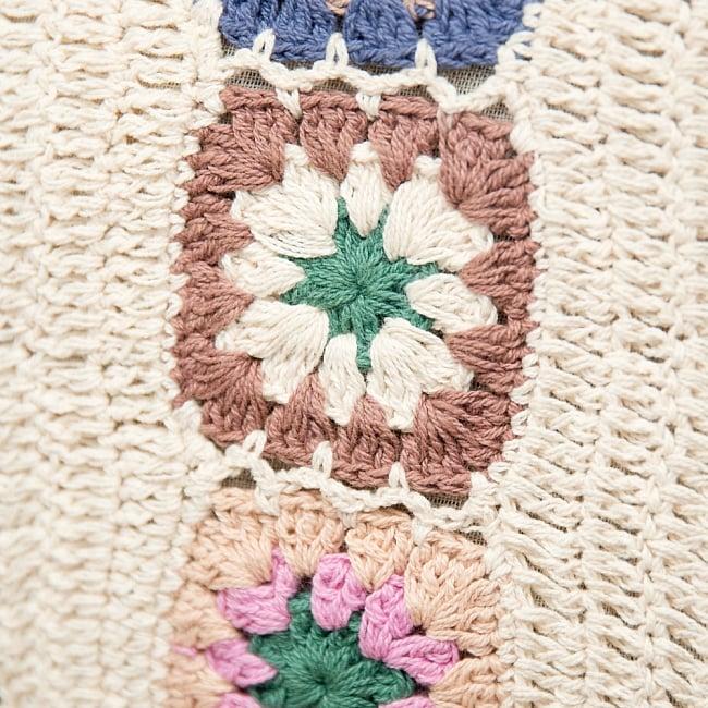 お花刺繍のショルダーバッグ アイボリー(ジッパータイプ)の写真3 - 手縫いの刺繍がふわふわで可愛いです。