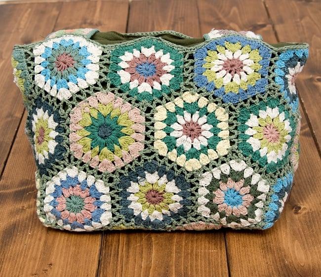 お花刺繍のショルダーバッグ【山型・小】グリーン 5 - 裏も可愛い刺繍がいっぱいです^^