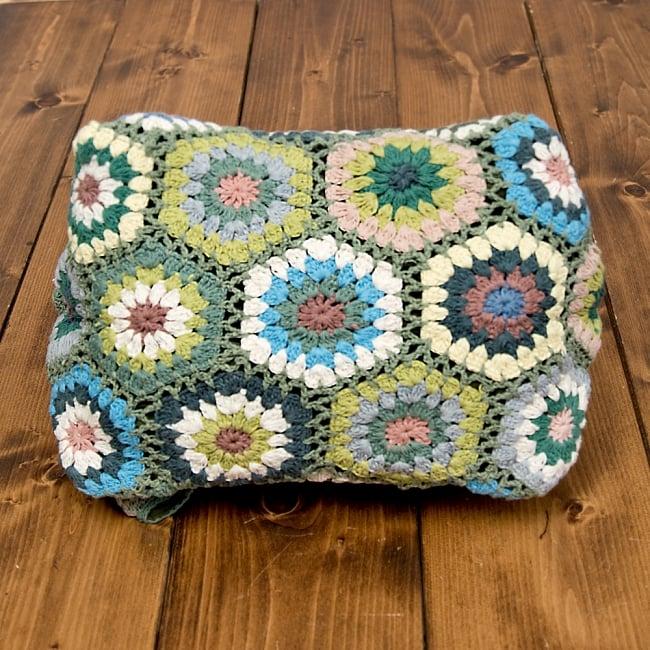 お花刺繍のショルダーバッグ【山型・小】グリーン 6 - 底まで可愛いです!
