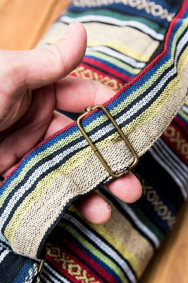 [ジッパータイプ]ネパール織り布のヨガマットバッグ 5 - ストラップは若干長さが調整可能です。
