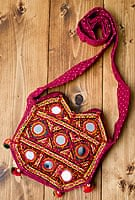カッチ刺繍のポシェット - 山型