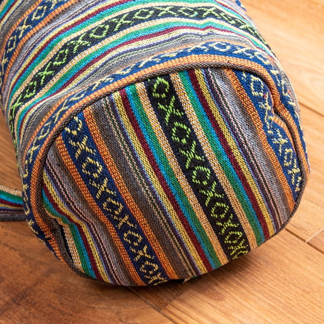 【大サイズ】ネパール織り布のヨガマットバッグの写真2 - 底面もしっかり作られています